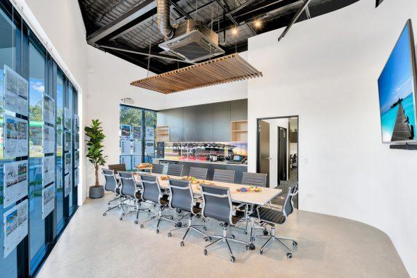 LJ Hooker Office – Helensvale - 1